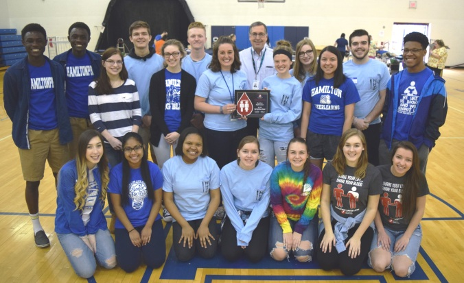 Hamilton High School NHS volunteers