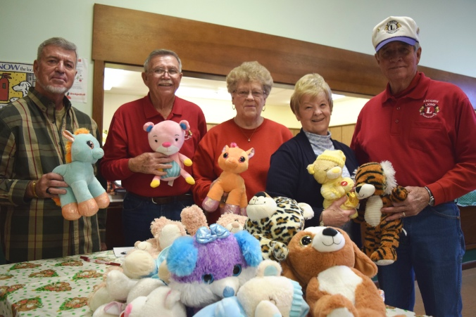 Arcanum Lions Club volunteers